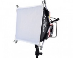 Aputure Amaran Tri-8s Spot Daylight LED Light con V-Mount Battery Plate