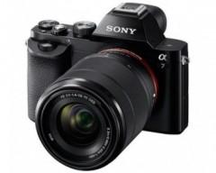 Sony Fotocamera Alpha 7 Sensore CMOS Full Frame 24.3 MP Full HD con ottica 28-70mm