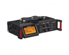 Tascam DR-70D 4-Channel Audio Recording Device per DSLR e Video Cameras