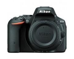 NIKON - D5500 Nero Body +SD 8GB Sensore CMOS Display Touchscreen 3'' Filmati Full HD Wi-Fi