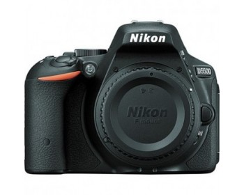 NIKON - D5500 Nero Body +SD 8GB Sensore CMOS Display Touchscreen 3'' Filmati Full HD Wi-Fi
