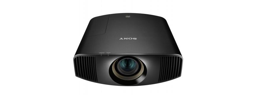 Digital cinema projector